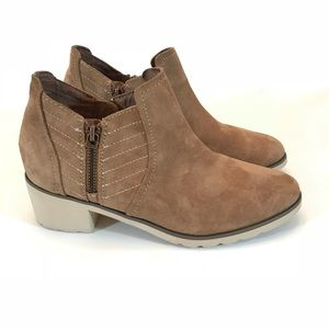 Women's Reef Voyage Boot Low size 6.5